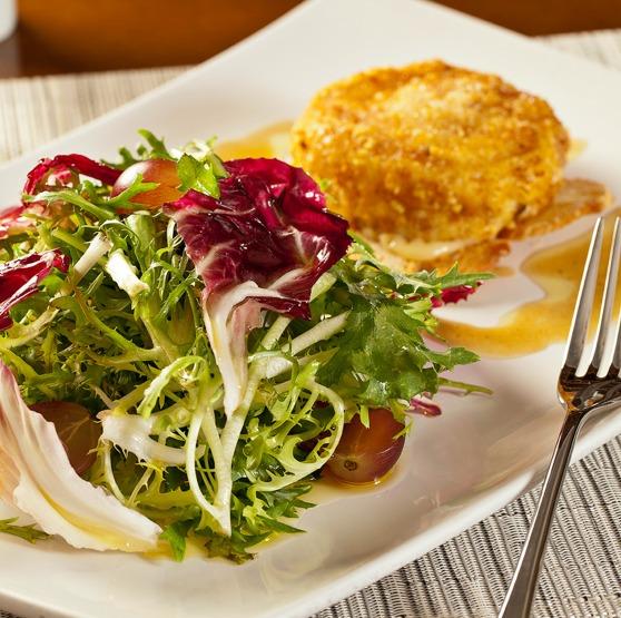 saladinha com frango grelhado
